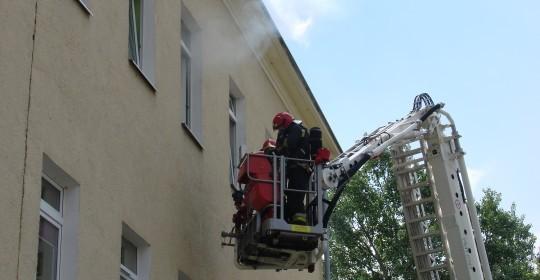 Ćwiczenia ratownicze z zakresu bezpieczeństwa przeciwpożarowego.